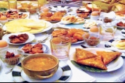 قواعد لتلبية دعوات الفطور المنزلية