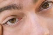 حل مشكلة جفاف العيون منزلياً