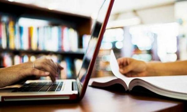 التعليم عبر الإنترنت… دونه سلبيات وإيجابيات