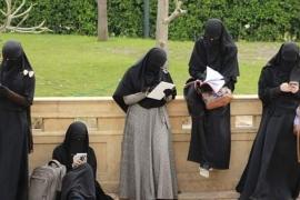 مسلمات بريطانيا المنسيات