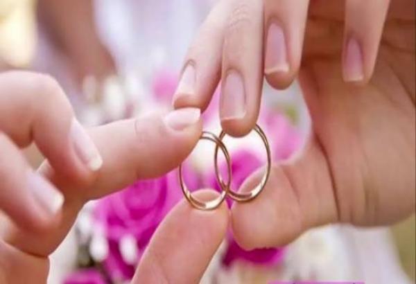 ثلاثيني يفكر في الزواج من فتاة صغيرة