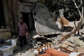 انفجار بيروت يحرم عمالا سوريين من أبنائهم ومنازلهم ومصدر رزقهم