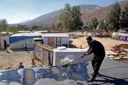 الأوضاع الاقتصادية المتردية تعصف باللاجئين السوريين بلبنان