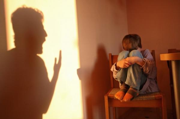 أخطاء تؤكد فشلك في تربية أولادك