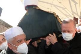 إسطنبول تودع أمين سراجها