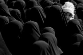 صورة من واقع الصراع العلماني الإسلامي (حرب الحجاب)