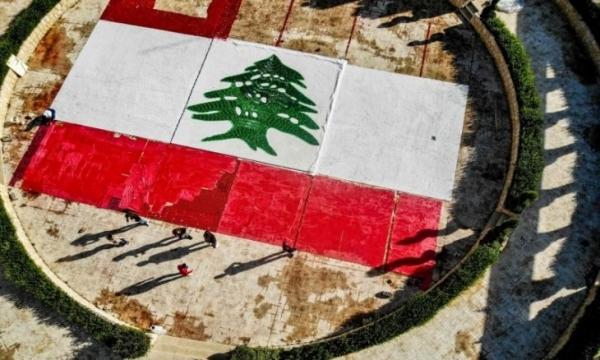 الاقتصاد وكورونا يقضيان على الطبقة الوسطى في لبنان.. هل اقترب مصير تيتانيك؟