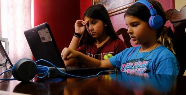 أيهما سينتصر التعليم الإلكتروني أم المدارس؟ إليك ما يقوله الخبراء عن شكل التعليم أثناء الجائحة وبعدها